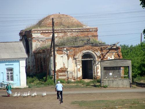 Церковь в Половинном.